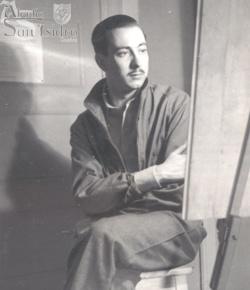 """2. San Rafael Arnaiz (1911-1938), conocido como el """"hermano Rafael"""", tuvo desde siempre una salud frágil, pero eso no le restaba alegría. Durante sus estudios de arquitectura (en la imagen, Rafael en la Pensión Callao,  Madrid, ante el caballete) visitó varias veces el monasterio de San Isidro de Dueñas (""""La Trapa"""") por sugerencia de su tío Leopoldo (duque de Maqueda). Su primera visita fue en octubre de 1930 y despertó en él la vocación monástica a la que respondería en enero de 1934."""
