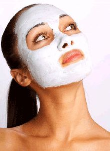 aspirin is a beta-hydroxy acid (BHA) that has been known to be very effective in cleaning and reducing the size of pores. Not only that…when used as a face mask it is said to exfoliate (because of the grit), reduce redness and swelling (because isn't that what we take aspirin for??), and leave your skin cleaner, smoother, and softer