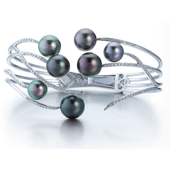 Tahitian pearl and diamond bracelet designed by Mastoloni