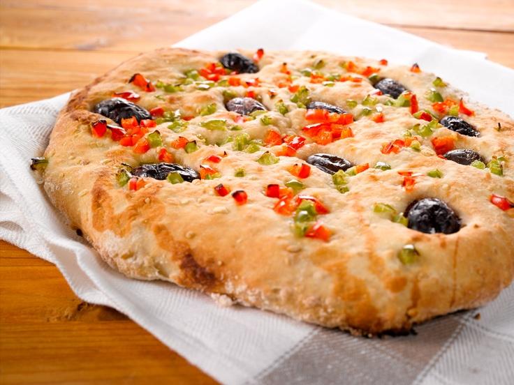 Oliivi-paprikaleipä vie sinut välimerelliselle makumatkalle. Ota täältä talteen oivallinen ohje: http://www.dansukker.fi/fi/reseptej%C3%A4/v%C3%A4lipalat/oliivi-paprikaleip%C3%A4.aspx