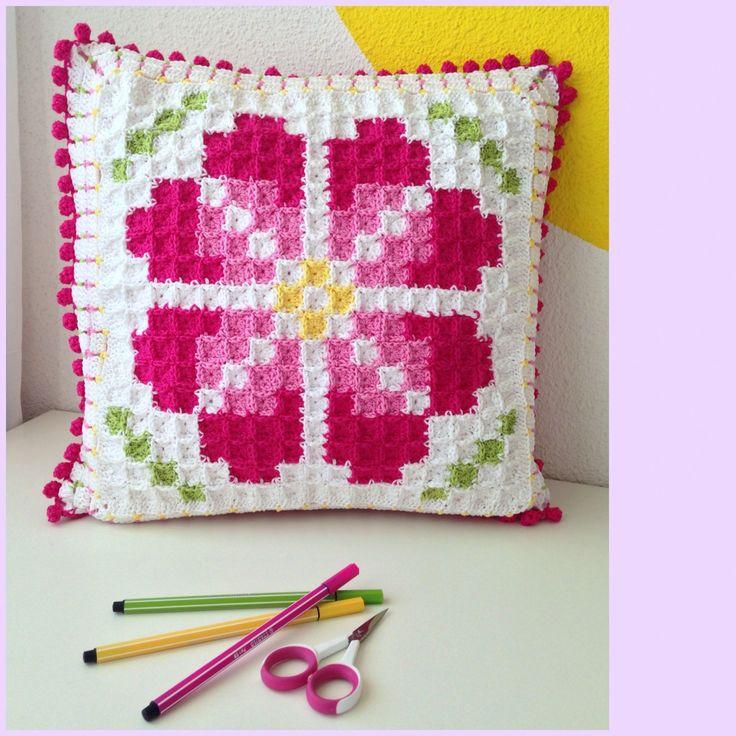 Marrose Ccc Pixelated Cushion Poofs Big Cushions