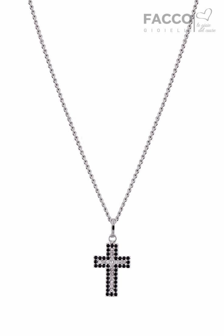 Collana uomo, Facco Gioielli, in oro bianco 750‰, pendente croce con pavè di zirconi neri e bianchi.