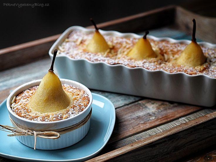Mandlový dezert s hruškami – PĚKNĚ VYPEČENÝ BLOG