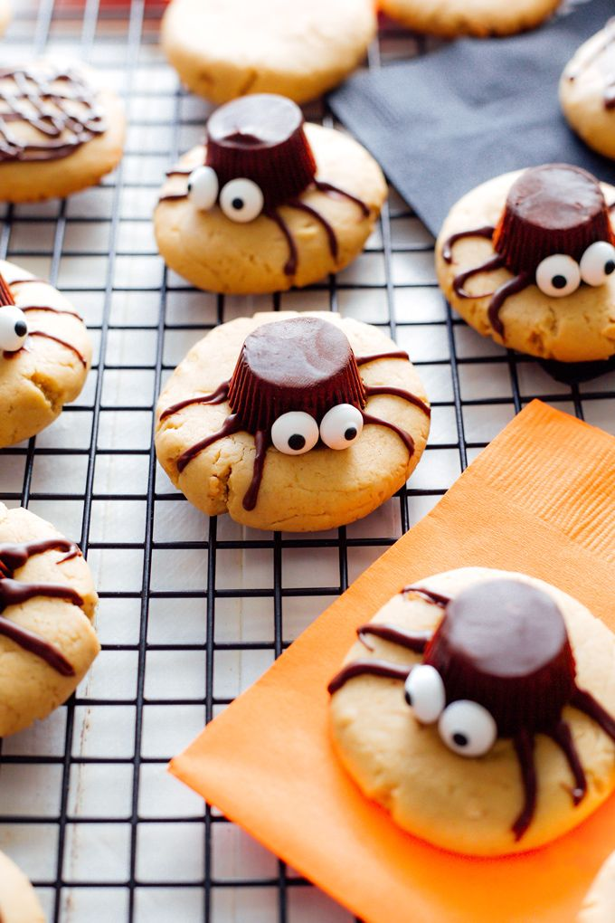 Easy Halloween treats for kids: Spooky Spider Cookies | Neurotic Mommy