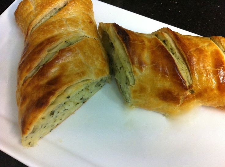 Potato in a pastry roll! Serve it by the slice. Check out our video below!