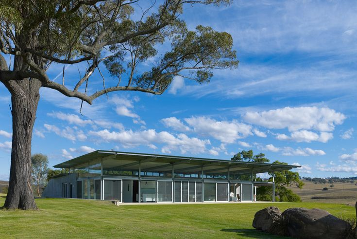 Embracing the great outdoors in the Hunter Valley.   Architect: Richard Cole