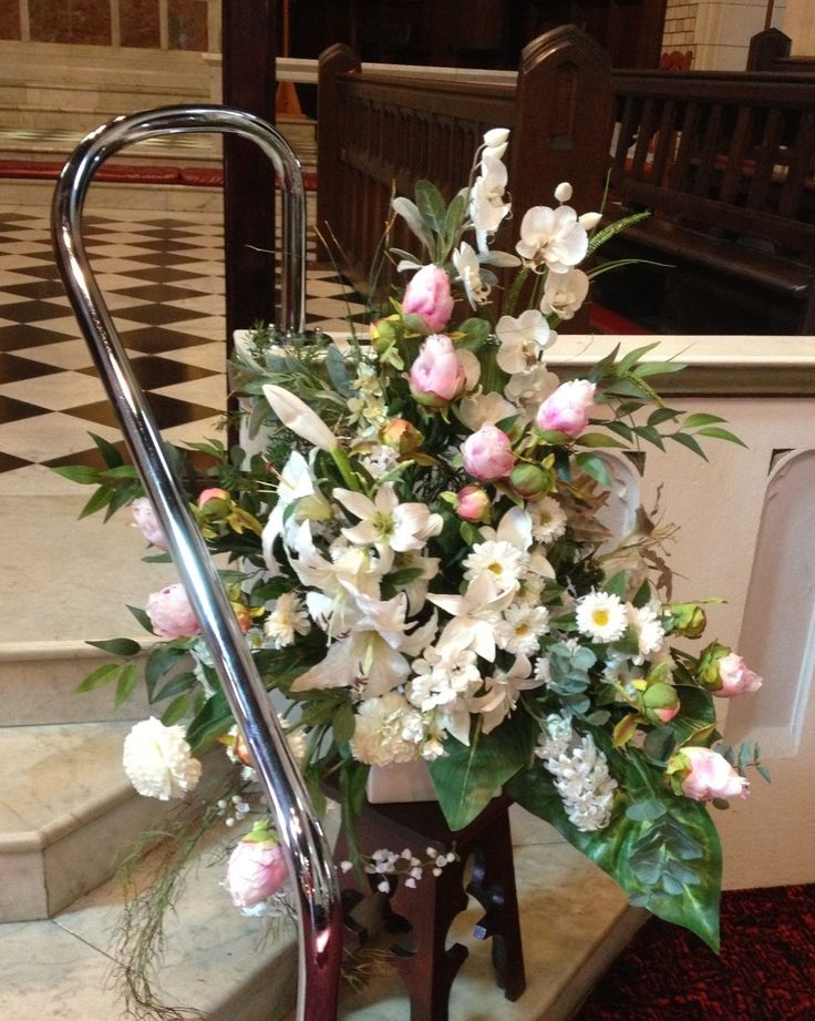 Wedding ceremony flowers on a budget#matching arrangements!
