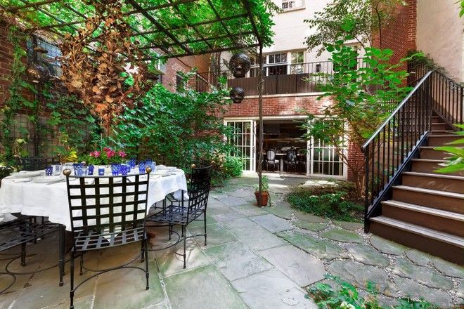 Inside Celebrity Homes: Meryl Streep Former New York City House | #insidecelebrityhomes #celebritieshomes #mostexpensivecelebrityhomes | See also: http://www.celebrityhomes.eu/