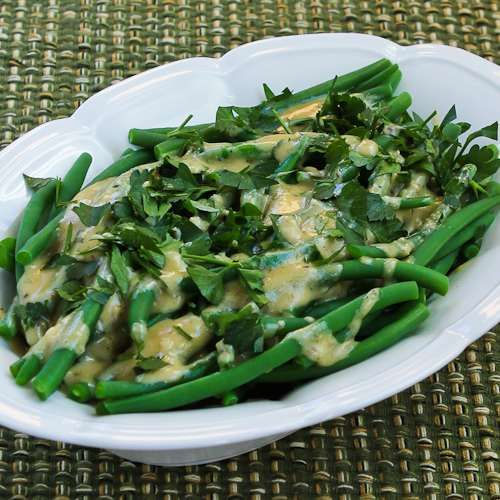 Barely-Cooked Green Beans with Tahini-Lemon Sauce (plus 10 More Green Beans Recipes for Thanksgiving) from Kalyn's Kitchen  #SouthBeachDietRecipes #LowGlycemicRecipes