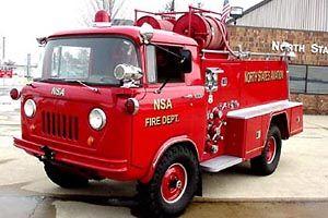 Otro camión de bomberos de jeep de belleza
