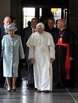 Inglaterra: éxito de visita papal, fracaso de difamación anticatólica