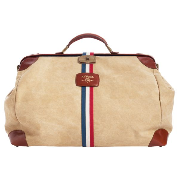 On a trip to Paris in 1947, Humphrey Bogart visited the S.T. Dupont shop and ordered a lightweight duffle bag that would make it easier to travel by plane. http://www.zocko.com/z/JJ6Ri