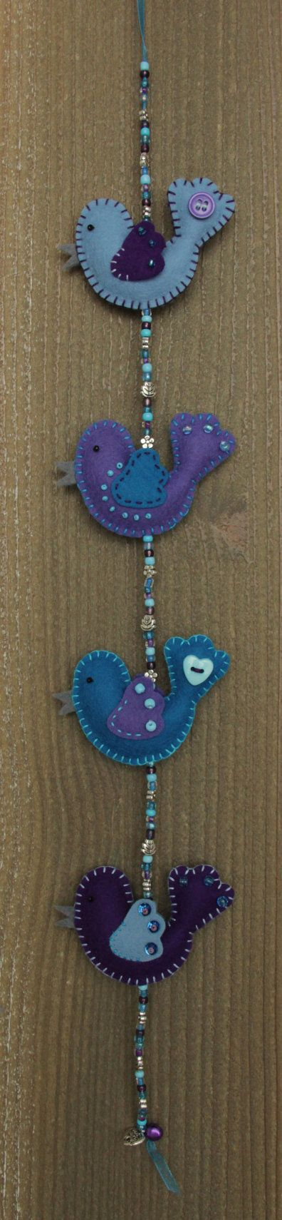 Felt bird decoration  MiniLuckybird garland door StudioSimone, €19.00
