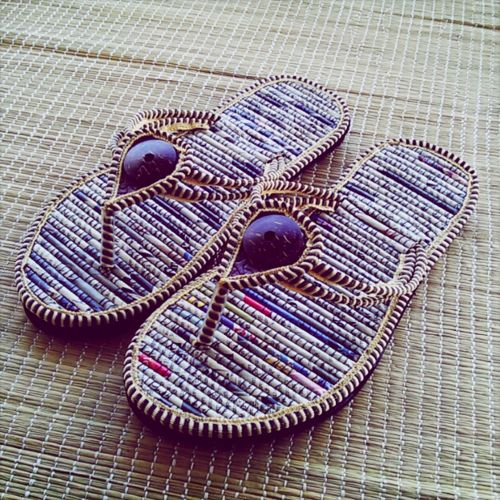recycling newspaper... Sandals made of newspaper