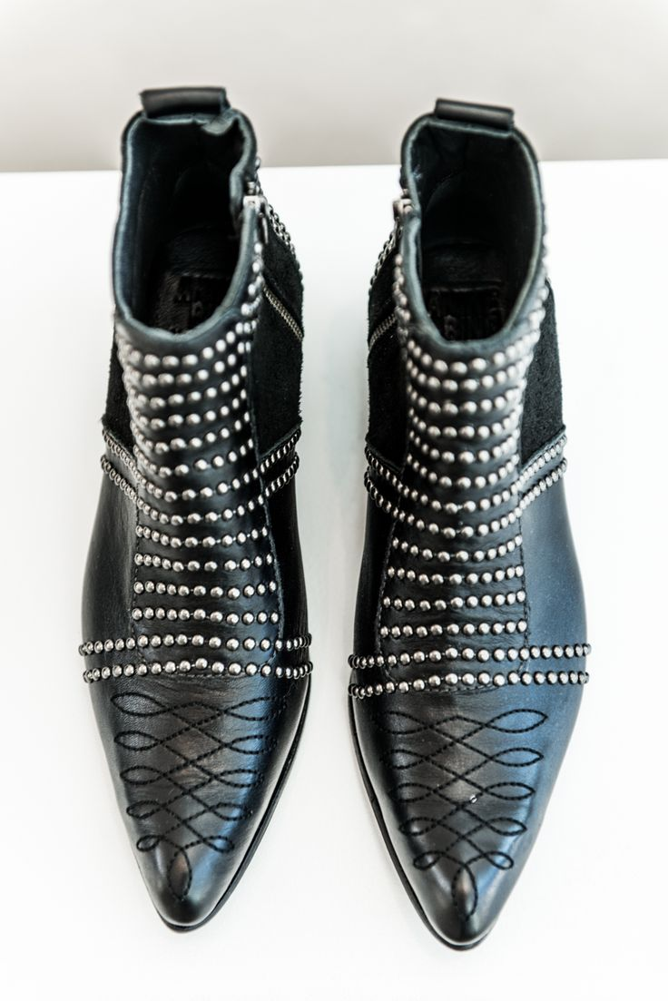 ANINE BING studded boots ♥︎ www.aninebing.com #aninebing #aninebingboots