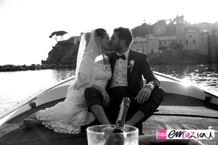 Wedding photos on boat, sailing from Baia del Silenzio to Sestri Levante harbour
