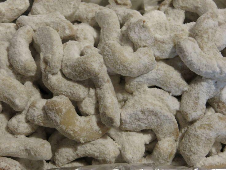 Zdravé vanilkové rohlíčky | recept. Vanilkové rohlíčky jsou tradičním vánočním pečivem. Abychom udělali variantu, kt