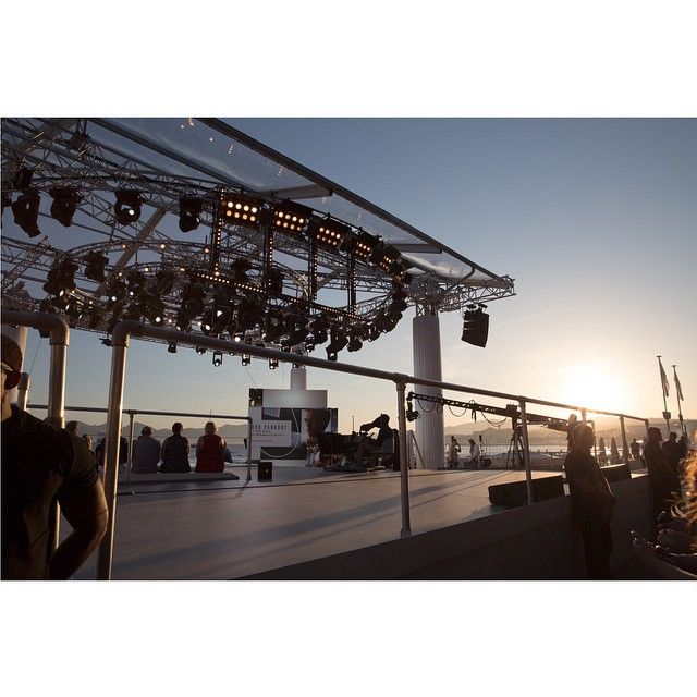 Comme chaque année, @franckprovostparis est le partenaire officiel du @legrandjournal pendant toute la Quinzaine ! #festival #FestivalDeCannes #croisette #legrandjournal #Cannes #cannes2015 #cannesforever