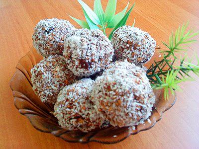 GÓBÉHAMI: Rumos keksz-golyó