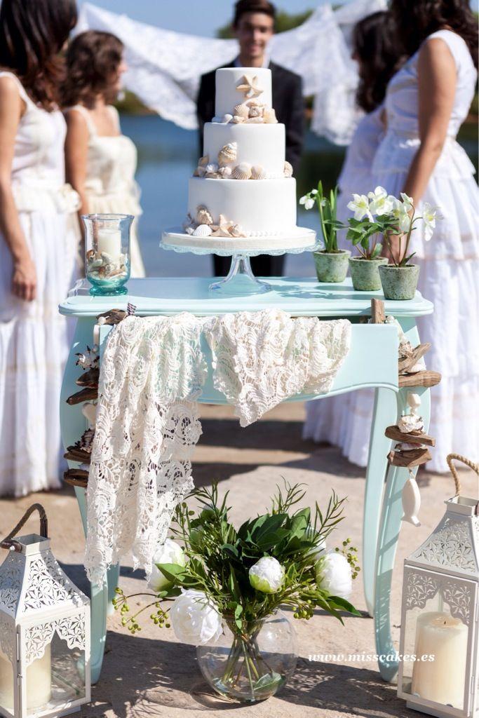 Tarta para una boda en la playa