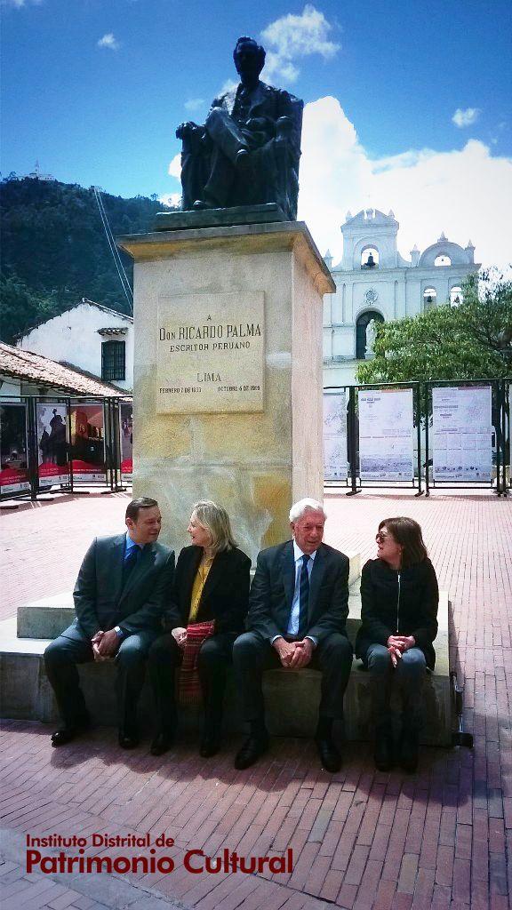 En presencia del Nobel Mario Vargas Llosa, se realizó la entrega de la restauración del monumento a Ricardo Palma, escritor peruano.