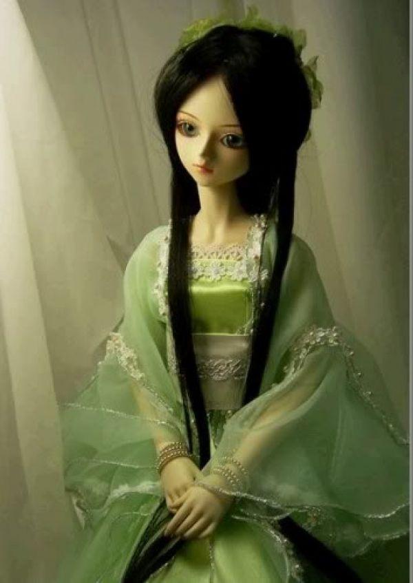 http://www.mischolitos.blogspot.com/2012/02/blanca-die-puppe-fur-dein-kind.html  Japanese Baby Doll..