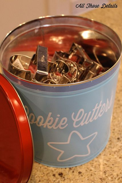 Popcorn Tin Rehab - Popcorn Tin to Cookie Cutter container