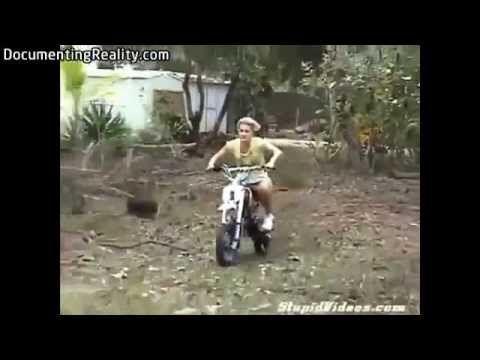 Idiotas Pilotando motos