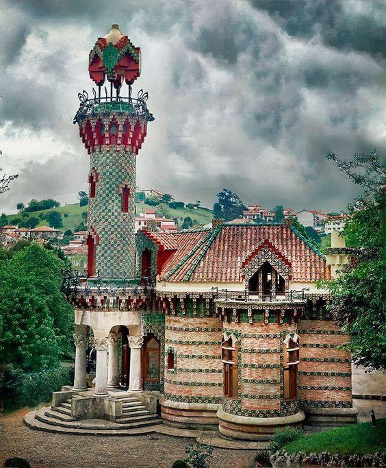 El Capricho de Gaudí, Comillas, Cantabria, Spain | Gaudi ...