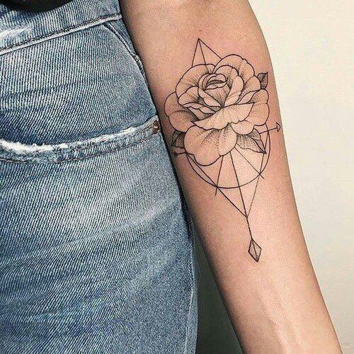 love the different design elements mixed into this one tattoo