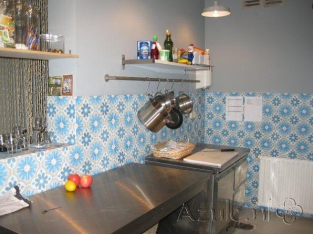 Cementtiles kitchen - Azule 07 - Project van Designtegels.nl