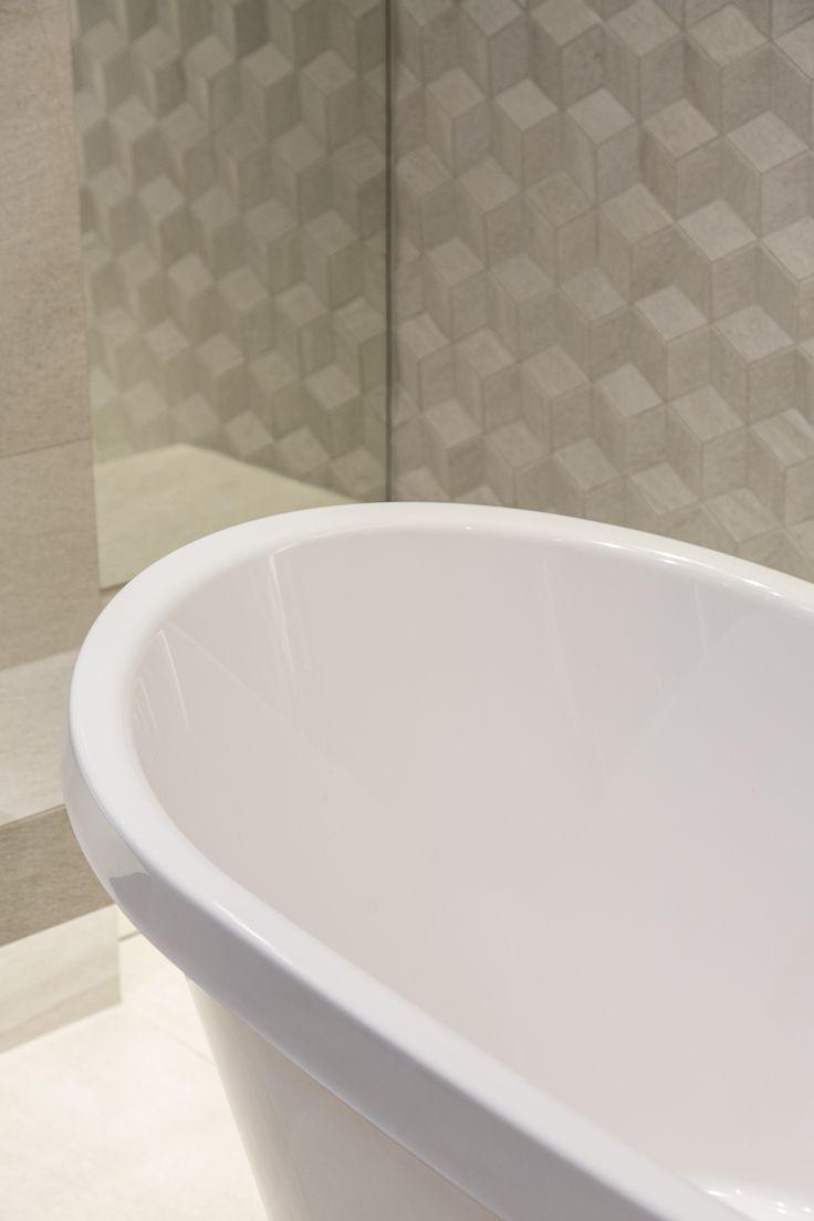 #Viverto #inspiracjeViverto #łazienka #bathroom #tiles #płytki #kolory #inspiracja #inspiracje #pomysł #idea #perfect #beautiful #nice #cool #wnętrze #design #wnętrza #wystrójwnętrz #łazienki #pięknie #ściana #wall #light #white #biel #wzory #mozaika #niebanalnie #3Dtiles #płytkistrukturalne #płytki3D #wanna #bath