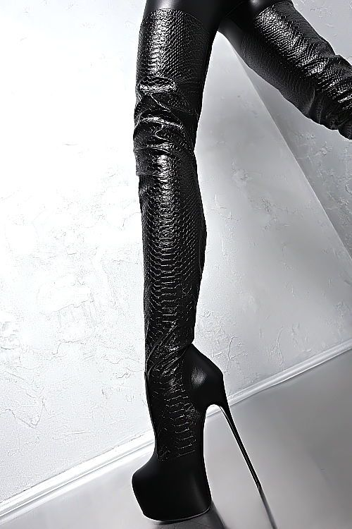 Made in Italy Leather  Over the Knee Boots. All the trends you need in your closet this season!