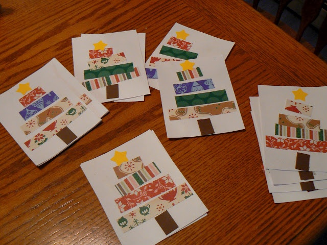 Great idea for Early Years Christmas cards.  good for using size vocab, eg longest, shorter etc
