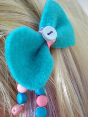 Bow-shaped hairpin 2.