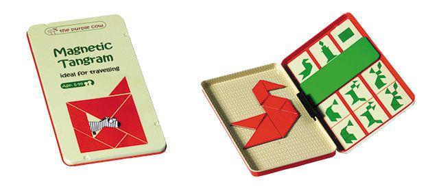 """""""Magnetic Travel Game Tangram""""  Ein Klassiker unter den Denksportaufgaben. Es gilt, mit den sieben Tangram Magneten eine Figur nach Vorlage nachzubauen. Unterstützt die Entwicklung der kognitiven Fähigkeiten, wie Problembewältigung und räumliches Vorstellungsvermögen.      ab 6 Jahren     für eine Person     Zeitaufwand ca. 15 Minuten und mehr"""