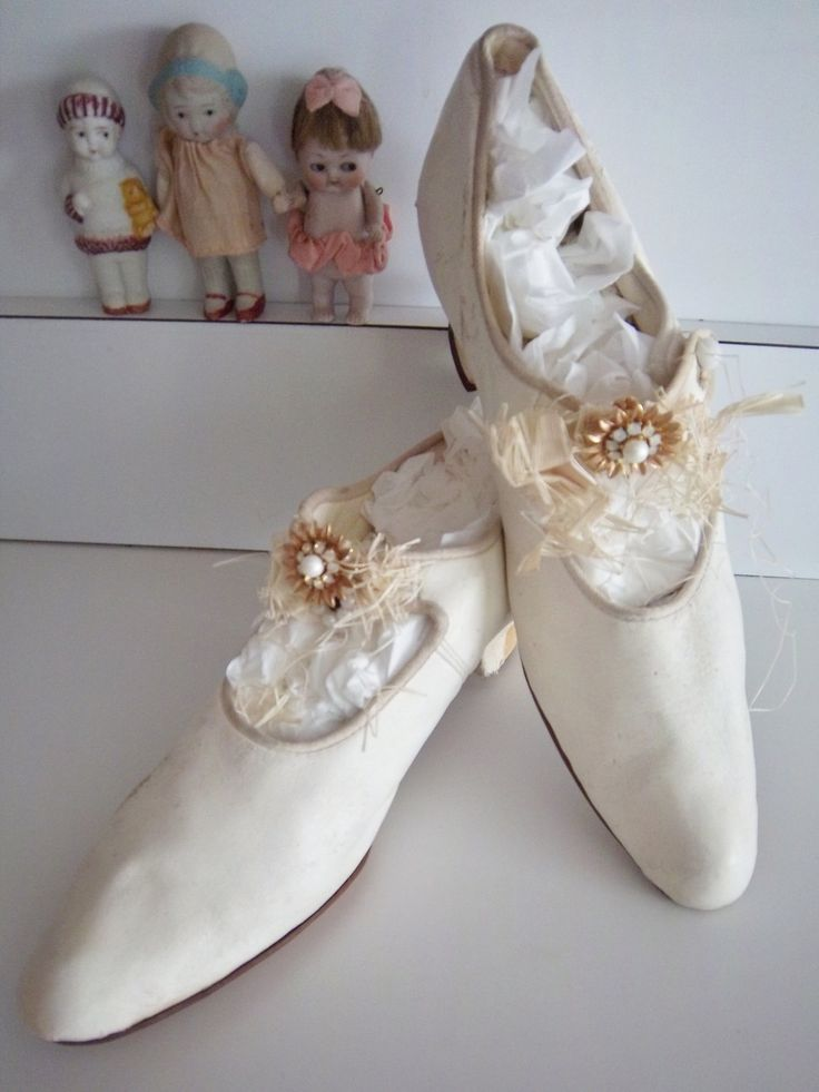 Covered in green fabric for country scene. Victorian Edwardian Antique Silk Wedding Shoes Slipper Heels - $146