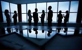 Una empresa es una unidad económico-social, integrada por elementos humanos, materiales y técnicos, que tiene el objetivo de obtener utilidades a través de su participación en el mercado de bienes y servicios. Para esto, hace uso de los factores productivos (trabajo, tierra y capital).
