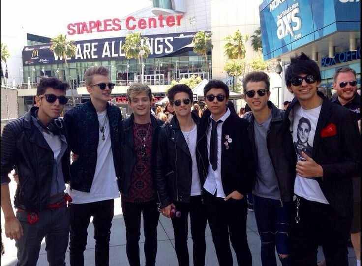 The Vamps with Sonus Band @Sarah Therese Carpet