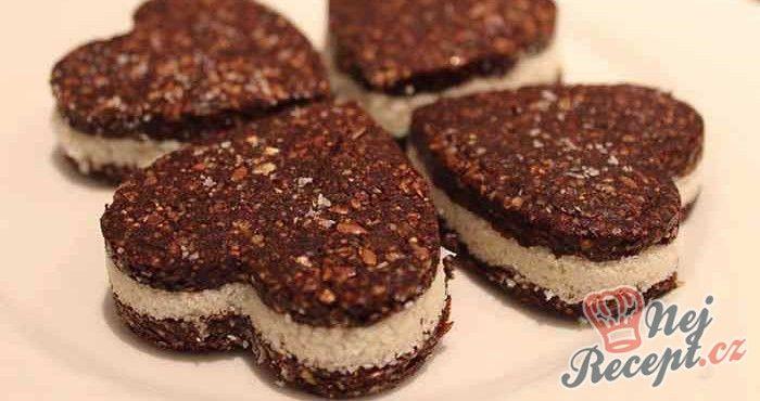 Zdravé kokosové pokušení bez přidání cukru a vajíčka. Nepečené a chutné. Fíky můžeme nahradit datlemi. Lahůdka!