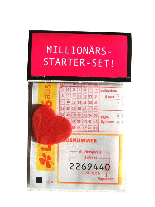 """Kleine Tüte mit großer Wirkung.  Für alle die vom Sucher zum Finder der großen Liebe geworden sind:  """"Millionärs-Starter-Set""""  Zaubern Sie ein Lächeln auf das Gesicht eines geliebten..."""