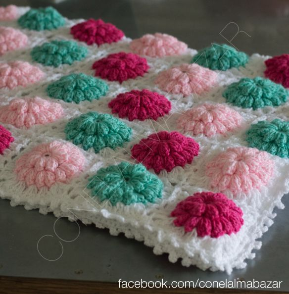 Pie de cama (Pie de Cama 1.60x60) Crochet handmade granny square flowers winter pink