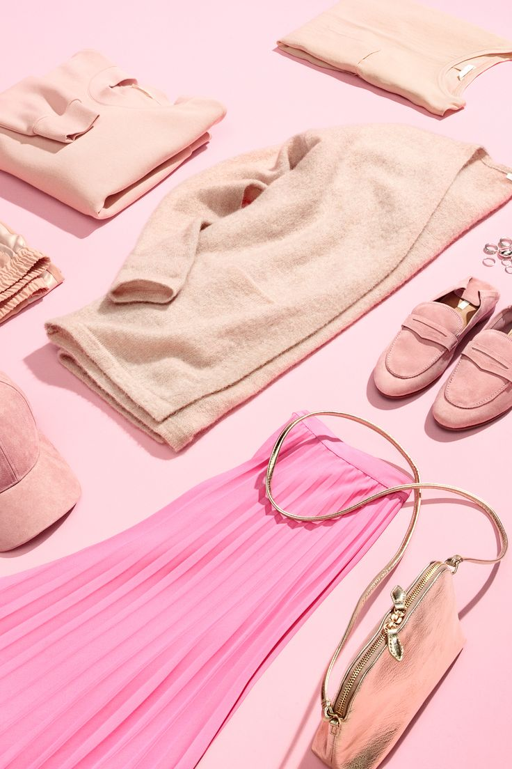 From pastel to bubblegum, the pink palette is having a major moment. | H&M Fall/Winter