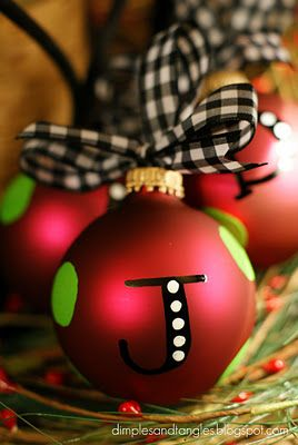 Cute!: Idea, Easy Christmas Ornaments, Christmas Crafts, Ornaments Gifts, Initials Ornaments, Diy Ornaments, Paintings Pens, Personalized Ornaments, Christmas Gifts