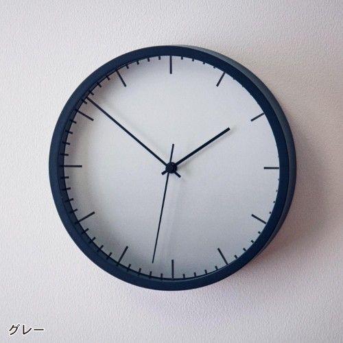 洗練されたシンプルデザインで、正確な時刻を伝える。