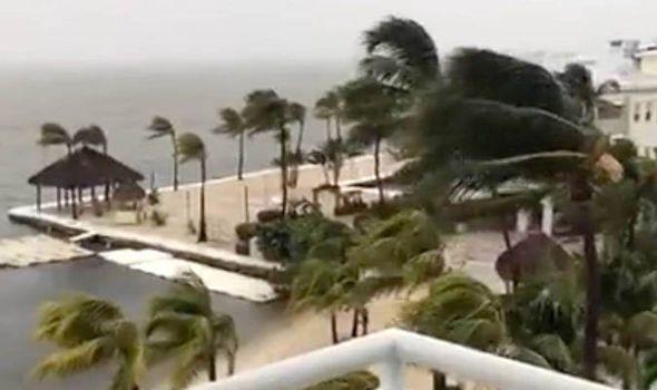Hurricane Irma eye to hit Florida hour early NOAA says
