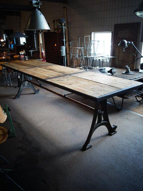 tafel http://www.interieur-vivre.nl/