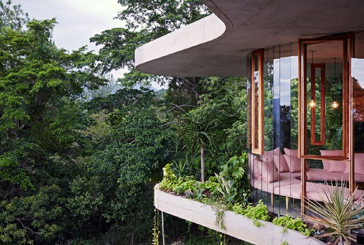 Planchonella House by Jesse Bennett Architect | Yellowtrace