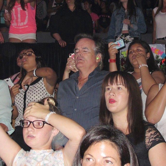 papas au concert des one direction 1   Papas au concert des One Direction   photo papa One Direction image concert