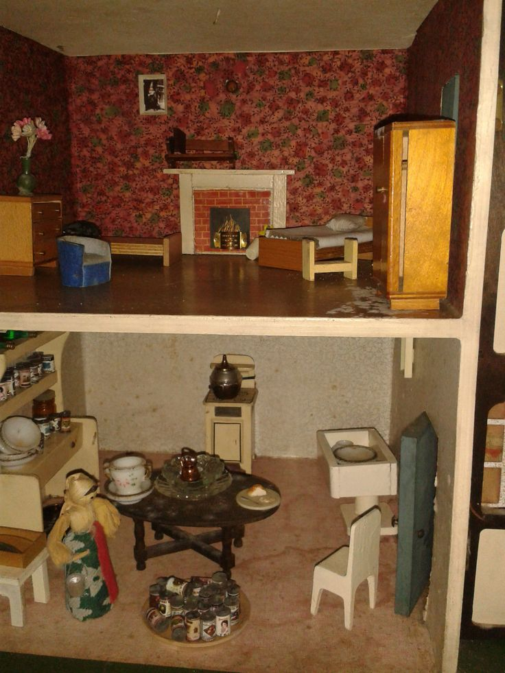 Triang Dollshouse Stockbroker Large fair vintage condition and all furniture. | eBay